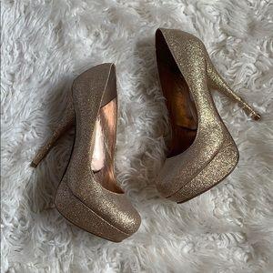 ✨Gold sparkle heels by Steve Madden